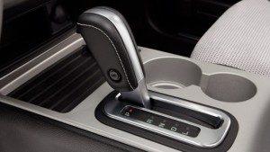 Cảnh báo 3 sai lầm phổ biến khi lái ôtô số tự động