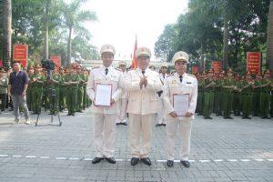 Đại tá Lê Quang Bốn trong lễ phong quân hàm tại trường ĐH PCCC